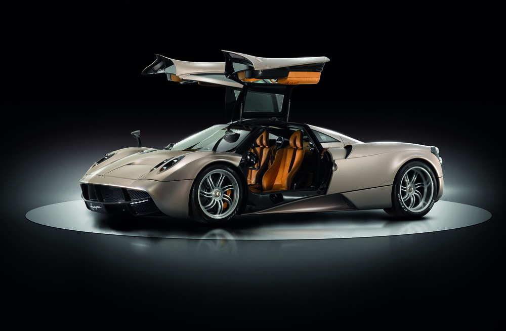 Huayra-3-4antsx_PRESS.jpg