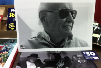 Image of the Stan Lee Collectibles Booth at the Cincinnati Comic Expo, September 24, 2016