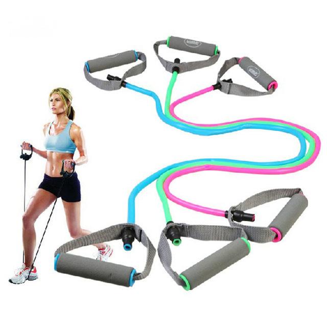ENSEMBLE D'ÉLASTIQUES - Pour stimuler vos muscles différemment et pour apporter de la variété à vos exercices, utilisez les élastiques en jouant sur la tension appliquée et le nombre de bandes utilisées.