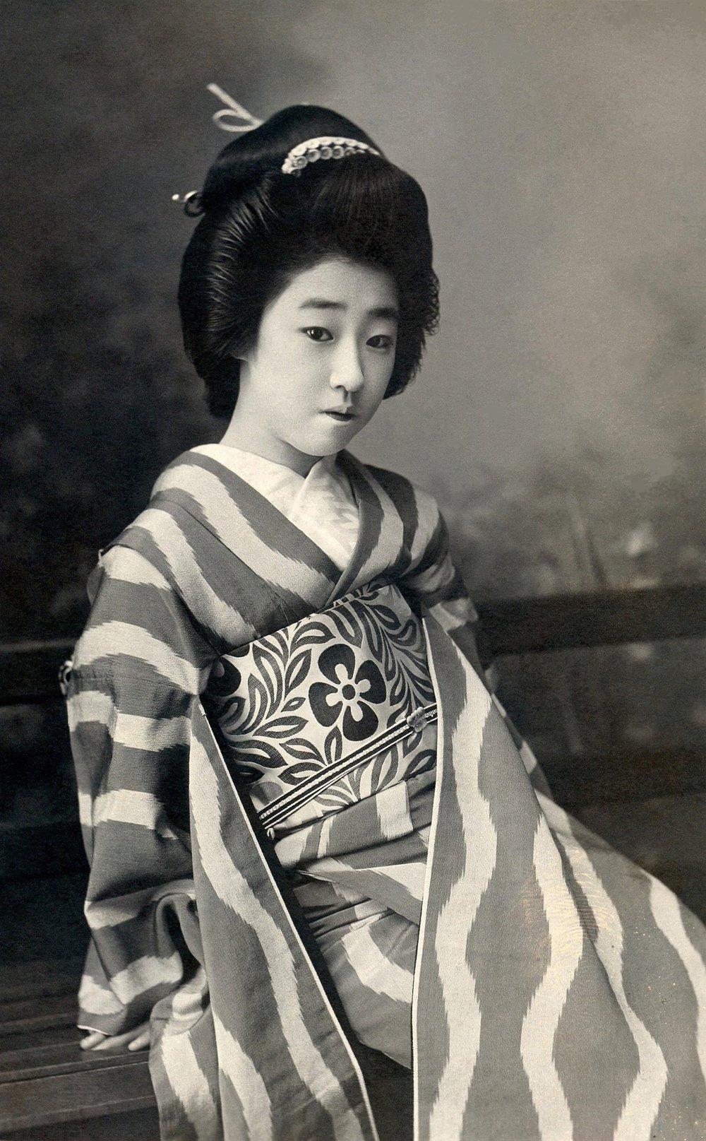 geisha-439321_1920.jpg