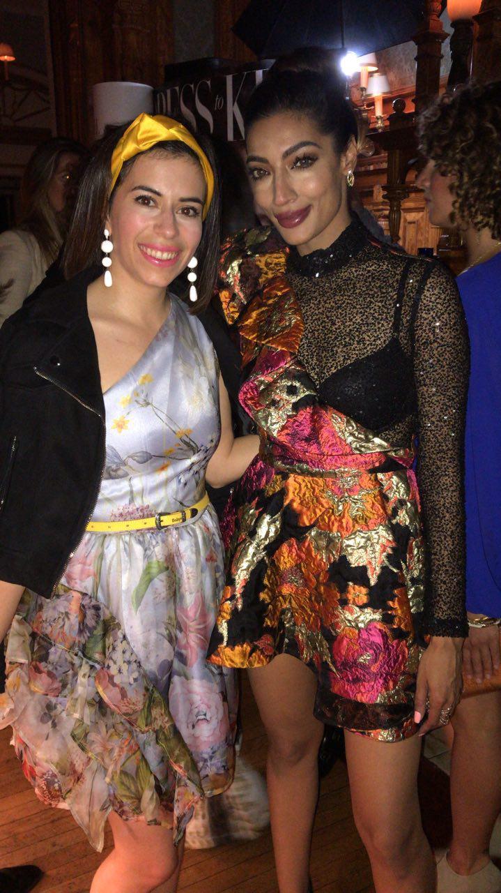 Avec Shenaz du Fashion Group International of Toronto, portant du Stephan Caras