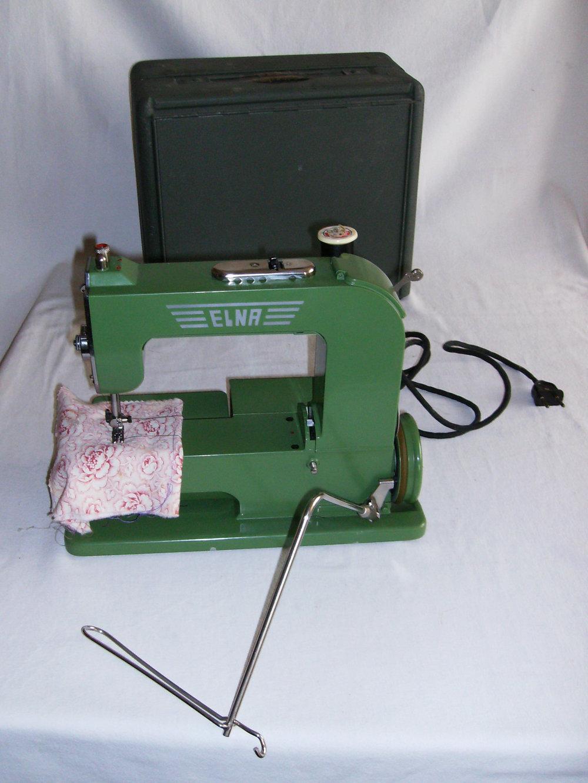 La Elna 1, premier modèle de machine à coudre main libre produite en 1940.