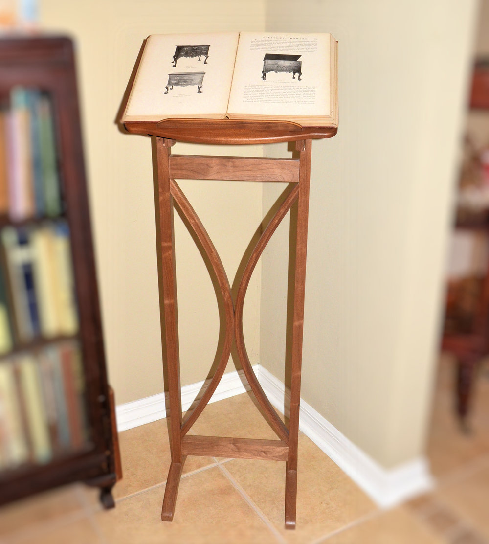 Woodcademy TV Library Stand