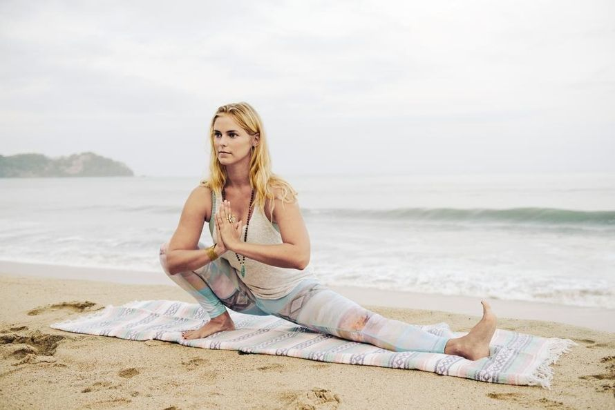 Learn to surf! 5 top tips - Interview with Eva Estlander for MeNaiset (In Finnish) -