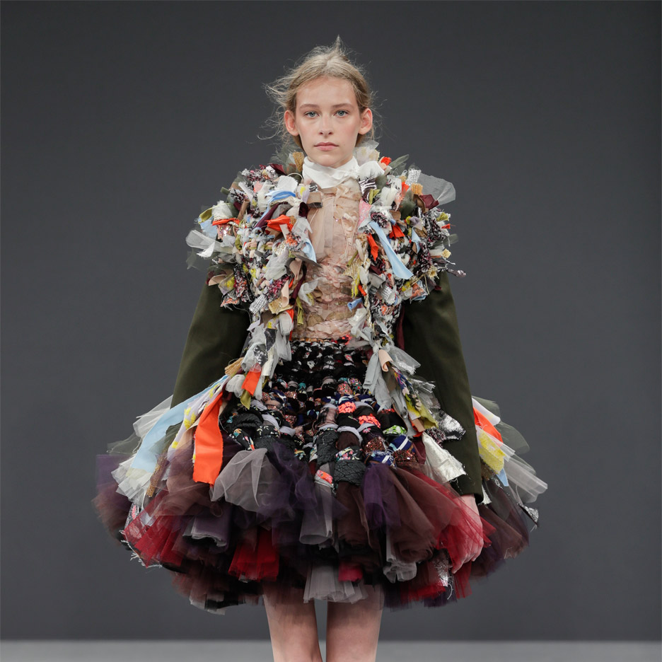 Runway: viktor & rolf recycle revolution — gfx