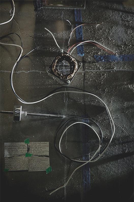 wire on basemnt flr.jpg