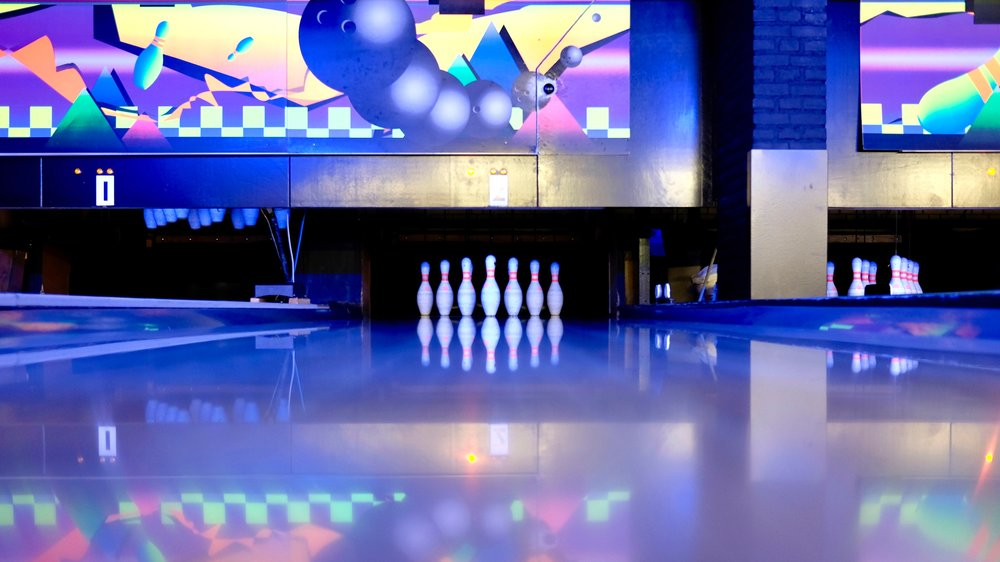bowling-bowling-pins-business-344029.jpg