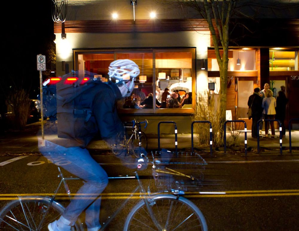 Pizzeria-outside-night-cyclist2-9764-copy.jpg