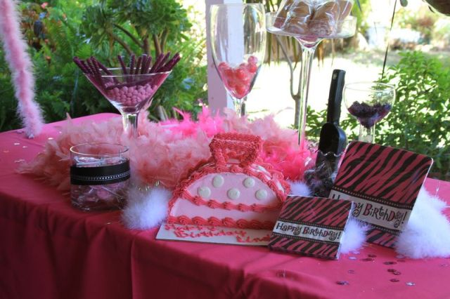 princess candy table.jpg