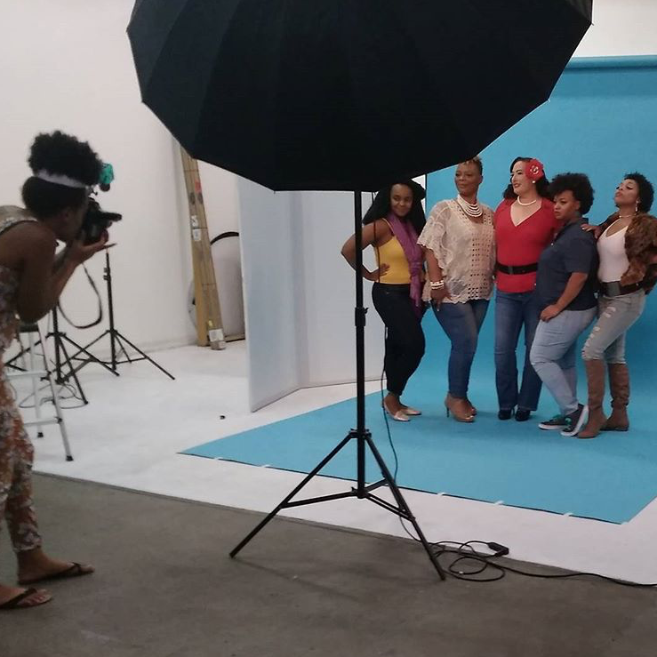 Copy of Deanna S Reid, The Social Photog behind the scenes for #azCurves photo campaign