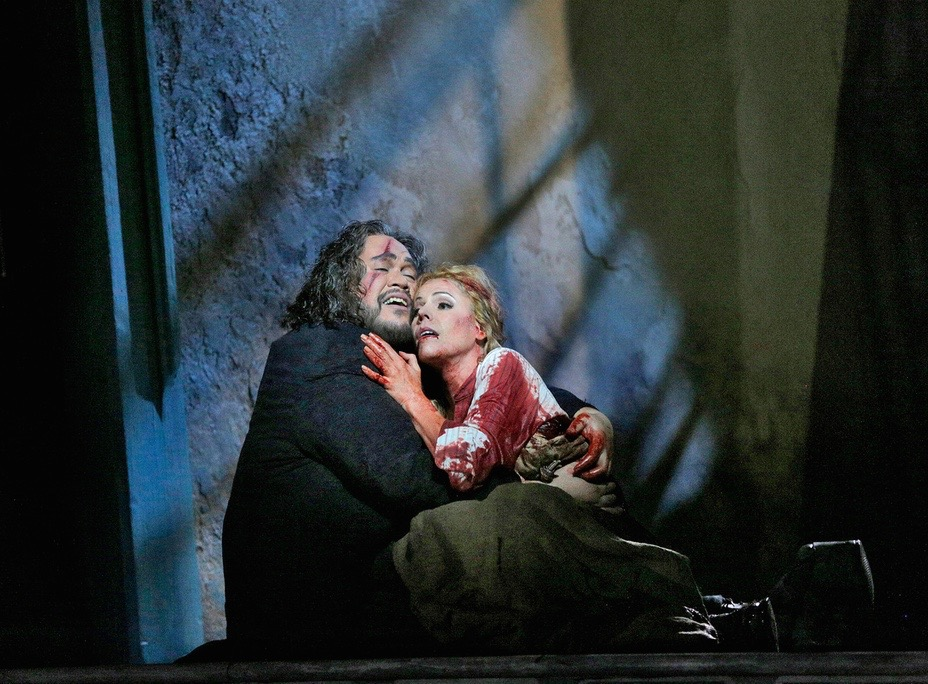 Gilda, with Quinn Kelsey at Santa Fe Opera. Photo Ken Howard