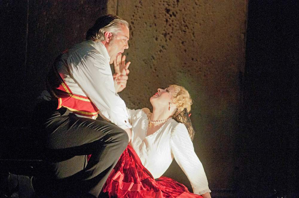 Lucia Di Lammermoor, with Steven Powell. Atlanta Opera. photo Tim Wilkerson
