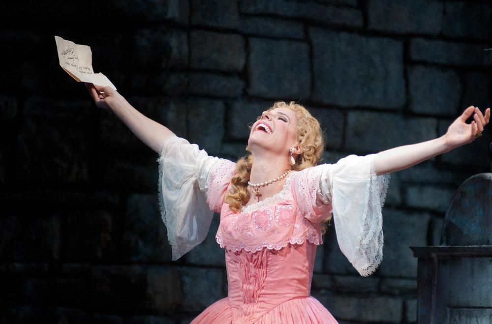 Lucia Di Lammermoor, Atlanta Opera. photo Tim Wilkerson
