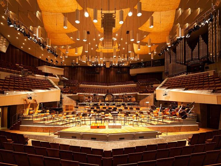 philharmonie002_db_x_mob.jpg
