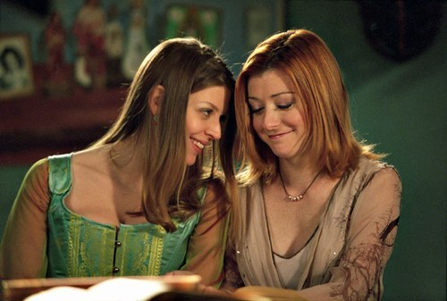 Tara and Willow of Buffy the Vampire Slayer (as portrayed by Amber Benson and Alyson Hannigan, respectively)