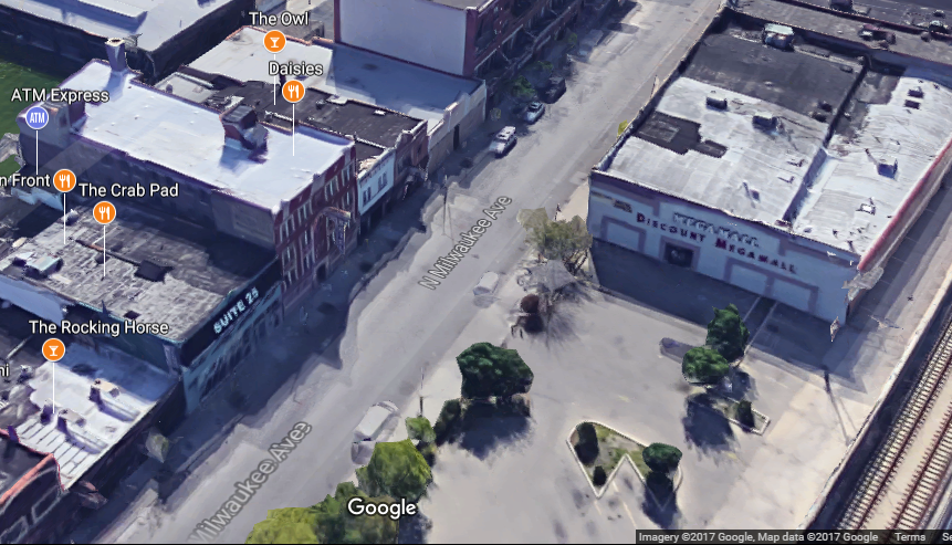 The Owl is clearly labelled in this photo, and you can see the empty lot across from where the witness was standing.