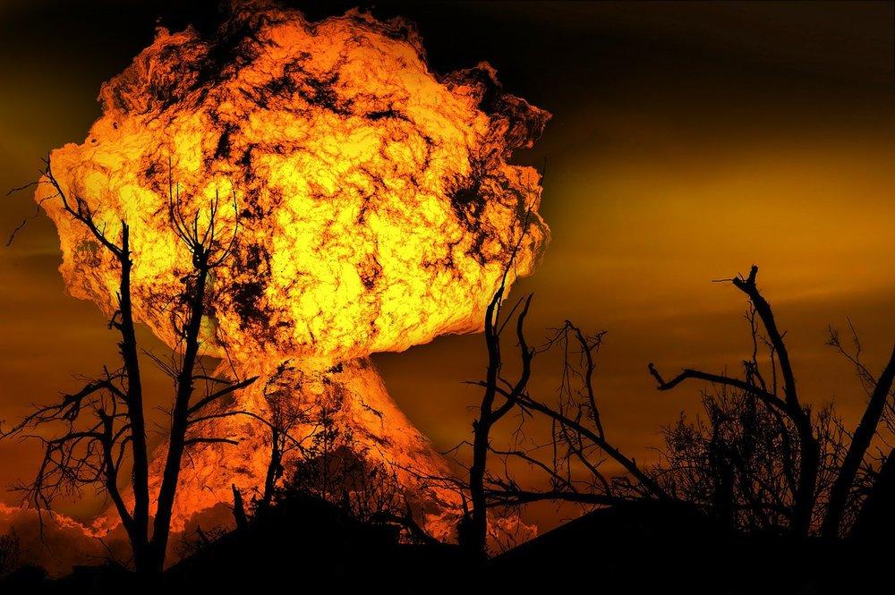 explosion-123690_1280.jpg