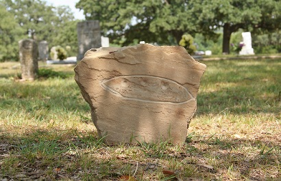An image of the stolen gravestone.