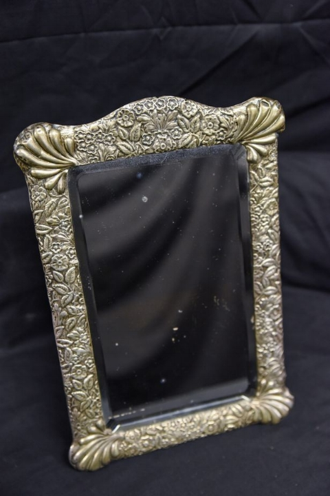 The mirror in which Captain Edward John Smith is said to sometimes appear.  (Image credit: Caters News Agency)