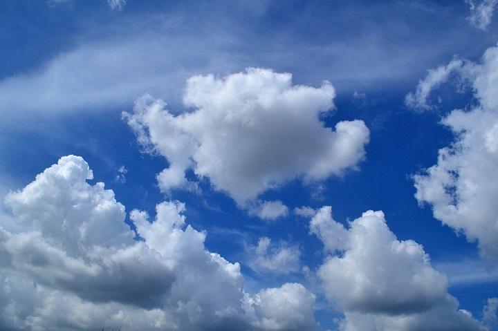 clouds-1169676_1280.jpg