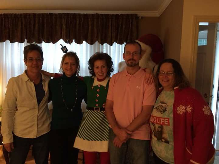 My family: Ellen (family friend), Lia (Reed's Wife), Maureen (Mom's Sister), Reed (Cousin), Erine (Me - LOL)