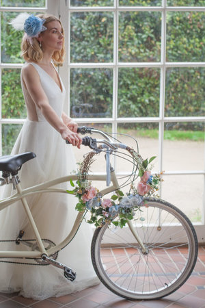 bridal-dusty-blue-winter-shoot-160_orig.jpg