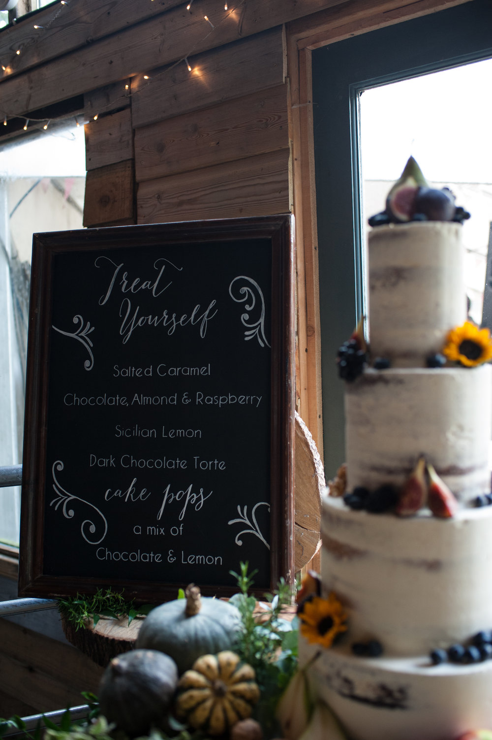 wedding cake information sign - cake from edible essence