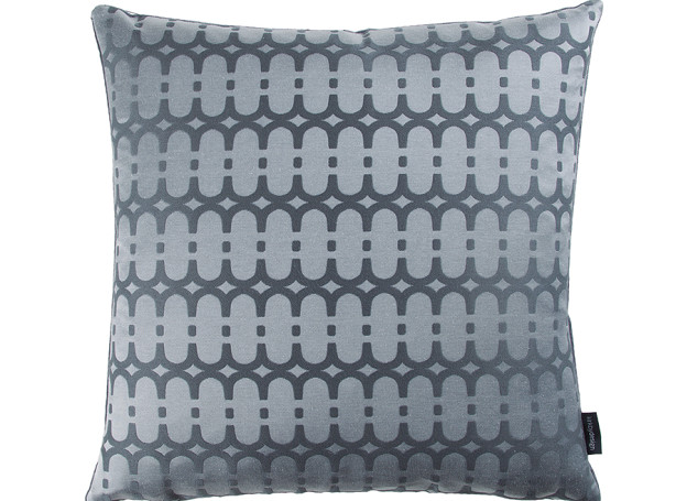 KDC5163-02-loopy-link-cushion-storm_01.jpg