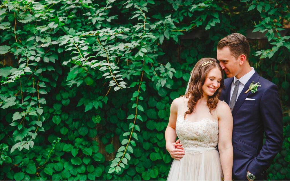 Niagara Wedding Couple