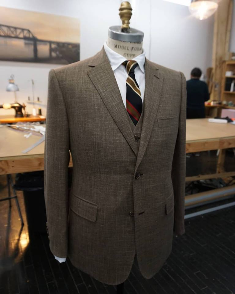 genuardi_3piece_summer_suit_bespoke.jpg