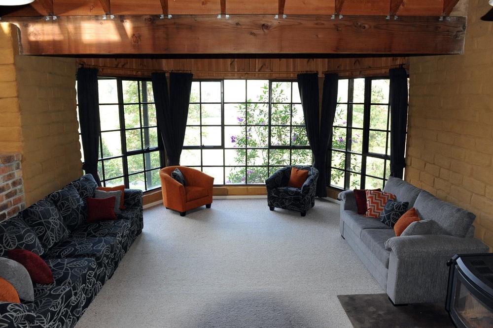 loungeroom.jpg