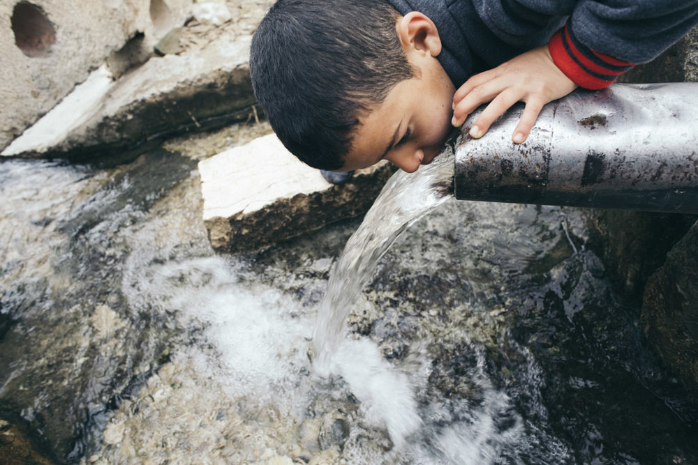 The WHO estimates the first victims of a lack of access to clean water are children: every two minutes one child under five and one infant per minute lose their life to infections related to poor water availability © Gianluca Cecere