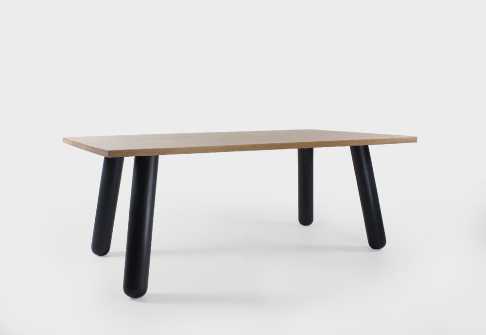 Eero Aarnio Table -MTC.png