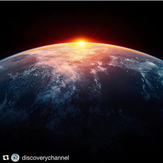 "Repost @discoverychannel @racingextinction ""Earth is what we all have in common."" Wendel Berry #actonclimate #racingextinction #convergencestory #storiesforgood #creativevisions #sciencefiction #graphicnovels #water #saynotopalmoil #plastic"