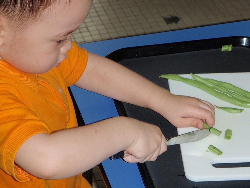 Cutting beans.JPG