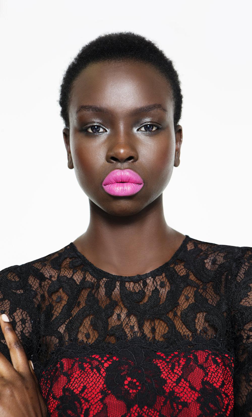 Yaya_Pink_Lips_ext.jpg