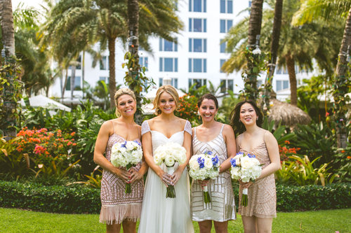 5-bride-with-bridesmaids-hotel.jpg
