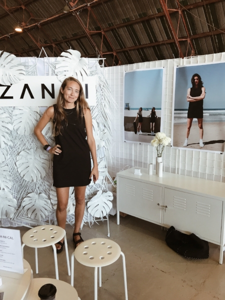 Suzanne, the founder of the athleisure dress line  ZANNI , hired Alice & Grace of  Grey & Elle  to design her storefront for this summer's Unique LA market.