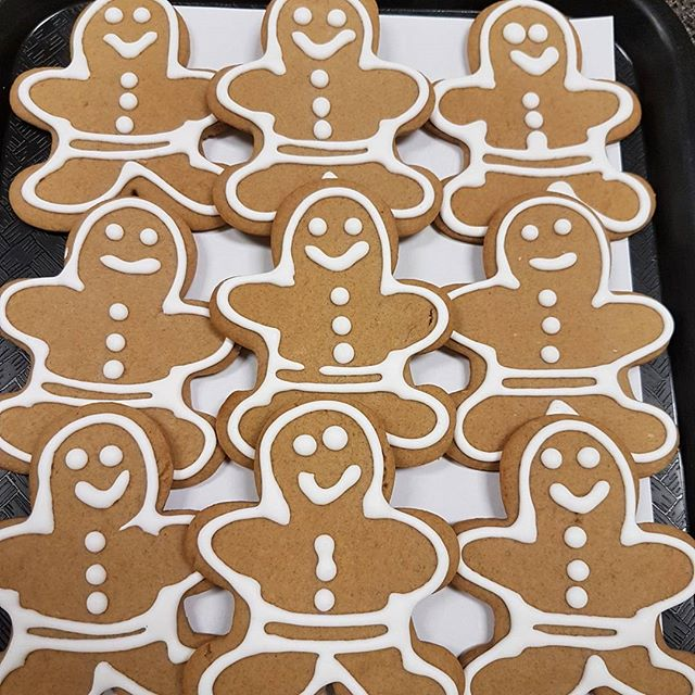 Gingerbread men cookies. #viennabakery #yeglocal #yegbaking #yegshoplocal #yegsmallbusiness #yegsweets #gingerbread #gingerbreadmen #gingerbreadcookies #yegcookies #cookies #yegchristmas #yegchristmasbaking