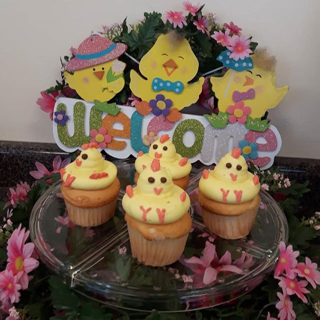Happy Easter/ Spring! #viennabakery #yeglocal #yeg #yegbuylocal #yegsmallbusiness #yegspring #yegeaster #eastercupcakes #yegcupcakes #yegsweets #yegdesserts