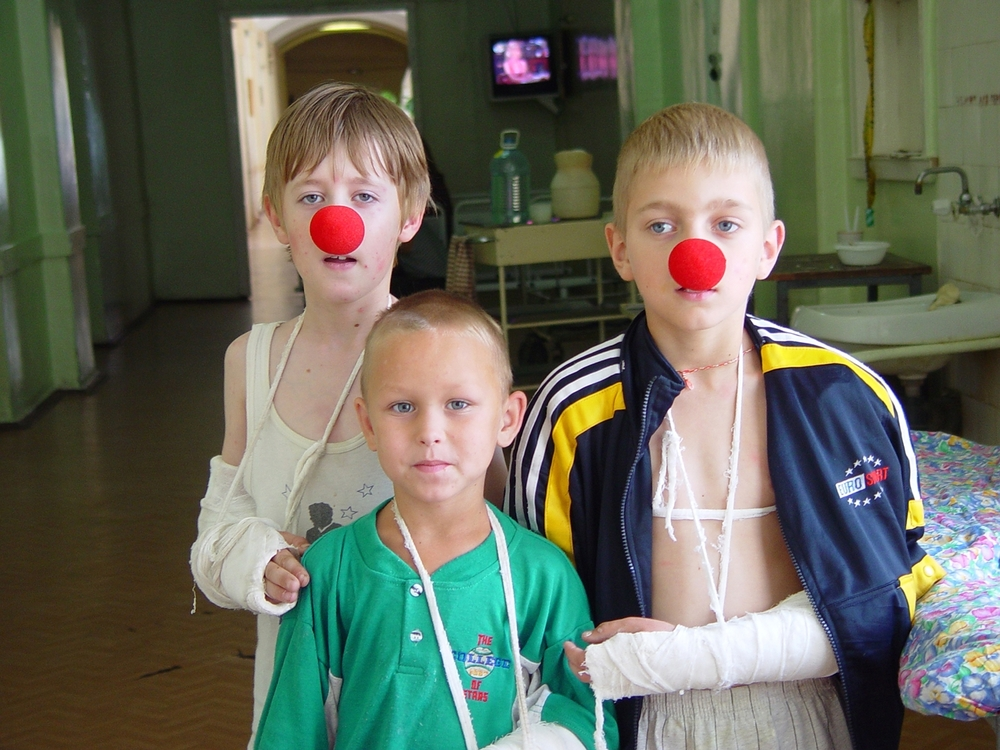 2002_0817_Russia Clown_01519 copy copy.jpg