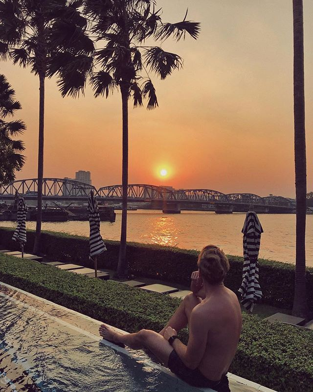 When the skies are on fire over Bangkok's Chao Phraya river 🔥🌇✨ #ThailandInsider