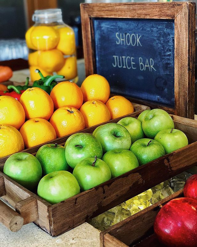 Juice it up!🥤🍎🍊 @ritzcarltonkohsamui #SAFoodGuru ===================================== #juicingdetox #juicing #greenjuice #juicechallenge #freshjuicebar #juicecleanse #greenjuices #juicinglife #juicingforlife #greenjuicing #greenjuicedetox #juicecleanse #cleanliving #healthyliving #healthylifestyles #juicerecipe #juicereview #RCmemories #spglife #ritzcarlton