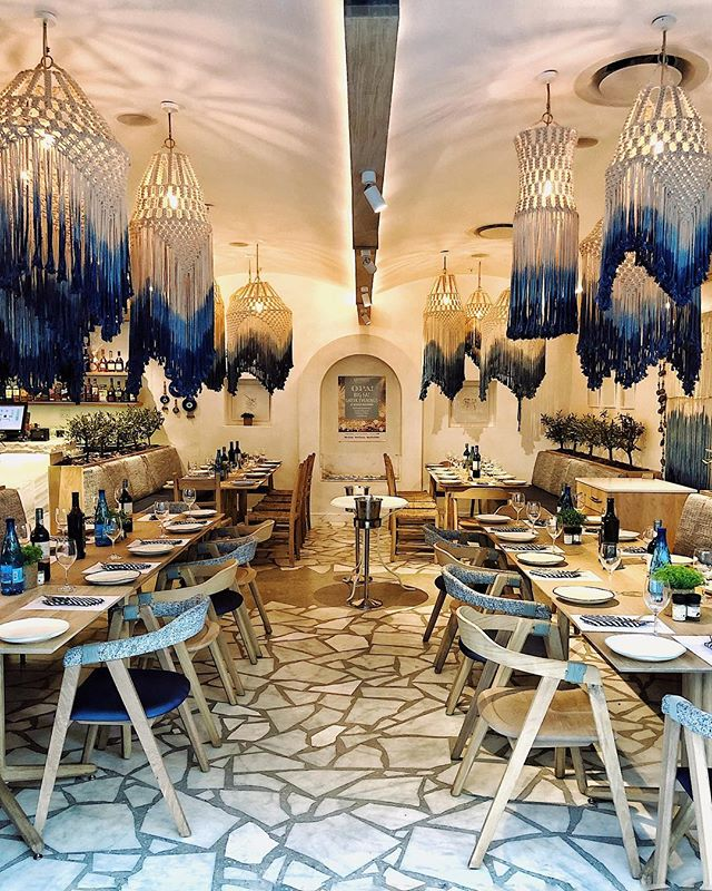 I'm in love with the bespoke interior of @mythos_greek_restaurants in @rosebankthezone 🤩💙🇬🇷 #SAFoodGuru =========================================== #restaurantlife #restaurantdecor #restaurantdesign #restaurantstyle #interiorinspo #interior_design #interiordesign #hospitalitydesign #beautifulspaces #foodiefinds #foodvsco #foodspace #tablescapes #mythosrosebank #mythosgreekrestaurant