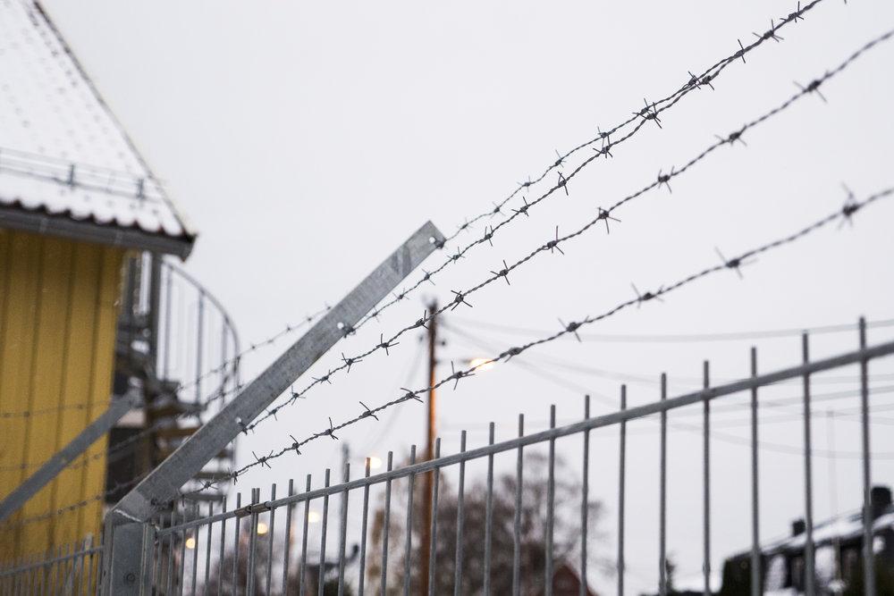 Sivilombudsmannen har kritisert politiets bruk av isolasjon på Trandum utlendingsinternat overfor personer med alvorlige psykiske lidelser eller traumer.  Foto: Dag Ulvedal