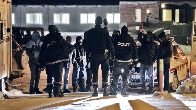 Ved å avvise asylsøknader selv om asylsøkerne ikke sikres tilgang til asylprosedyre i landet de henvises til, risikerer Norge at flyktninger sendes videre til forfølgelse i hjemlandet.  Foto: Helge Mikalsen/VG
