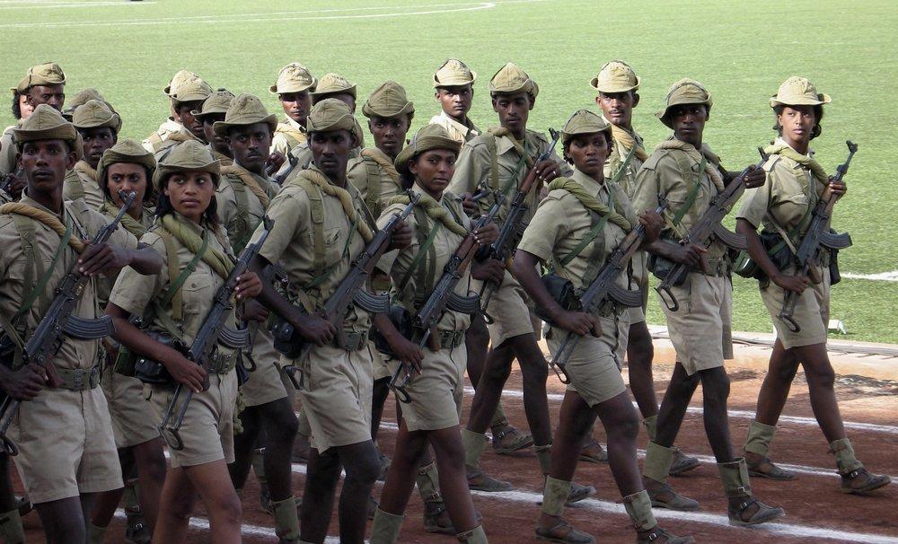 Eritreere risikerer brutal behandling i en langvarig militærtjeneste.  foto: Reuters