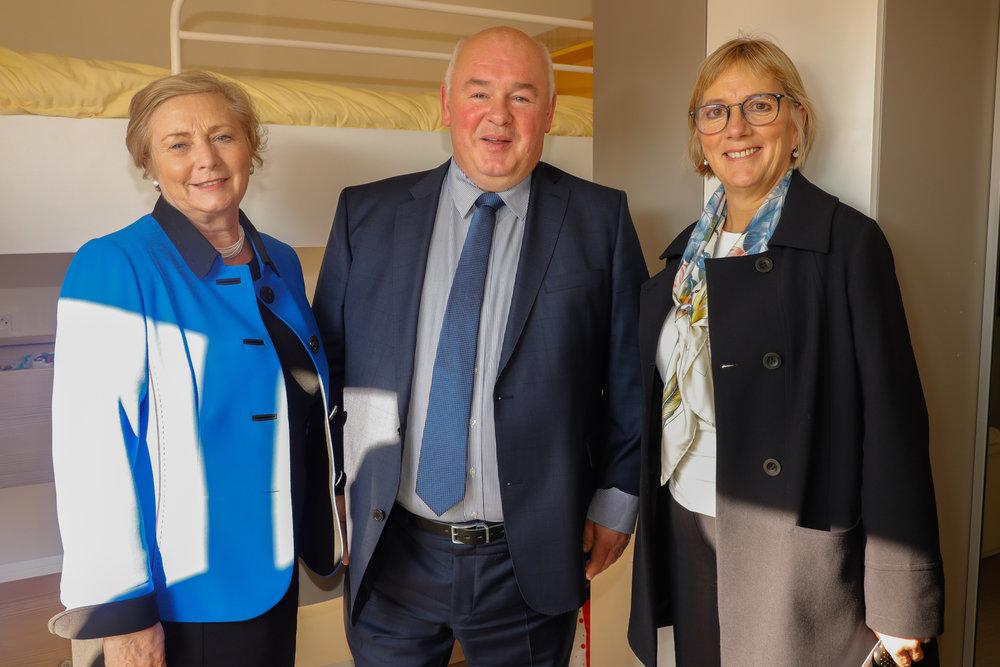 De gauche à droite: La vice-Premier ministre irlandais , Paul Byrne, Managing Director Castlebrook, Julie Sinnamon, CEO Enterprise Ireland