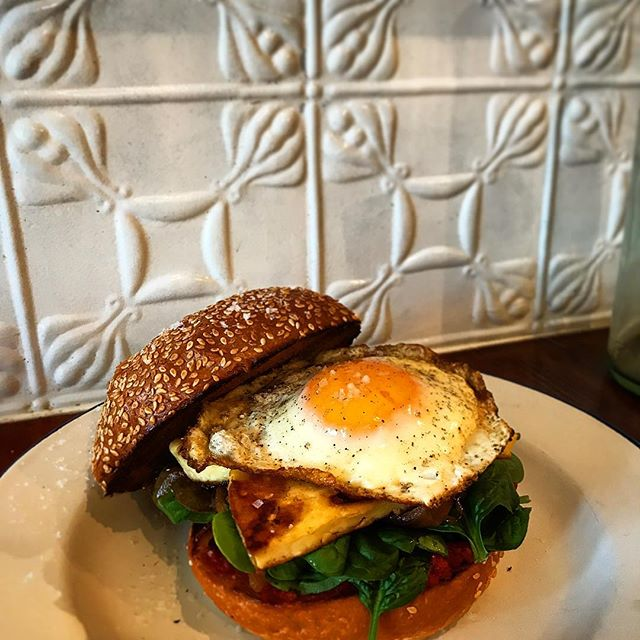 Mid week special!! Haloumi breaky burger with lyonnaise onion, house made relish, spinach and a fried egg!! #coolangattabrunch #goldcoastfood  #stillgonsendit
