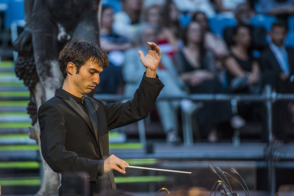 Jonathan Santagada conducting William Walton's Henry V at The New Generation Festival 2018  Photo credit: © Guy Bell